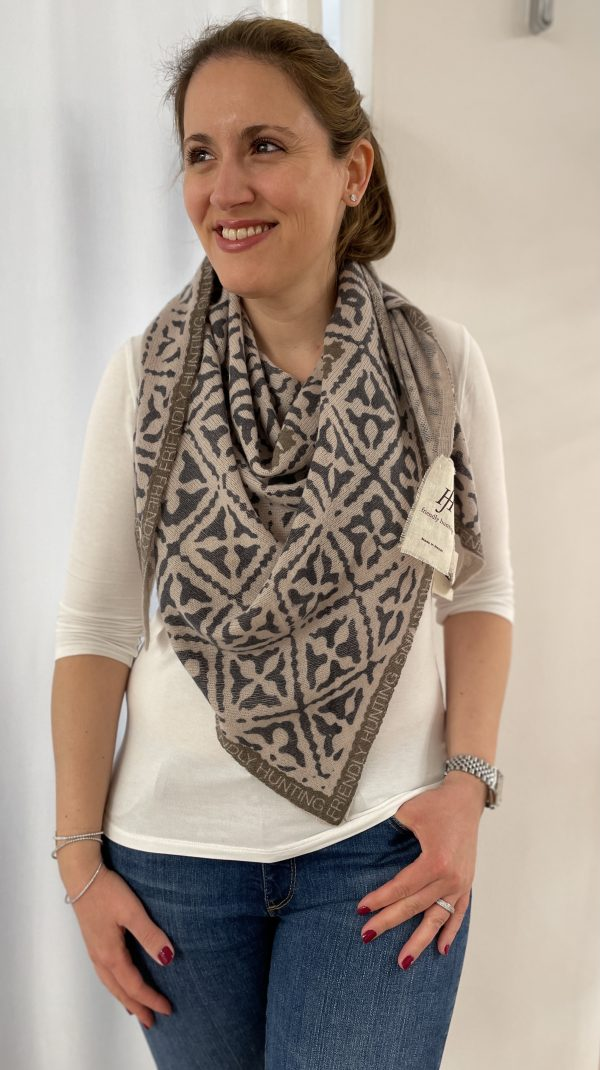 Friendly Hunting Triangle Scarf Eyes of Marrakesh 11